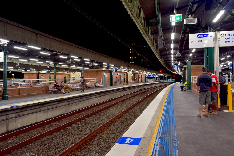 australia-train-station-web